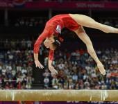 Гимнастическое бревно для спортивной гимнастики.