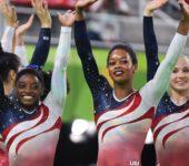 Сборная США по спортивной гимнастике одержала победу.